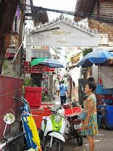 Photo: Thewet - Bangkok