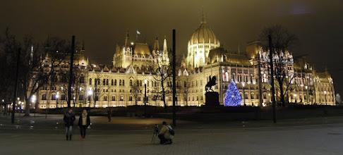 Photo: Parlament – az ország karácsonyfája
