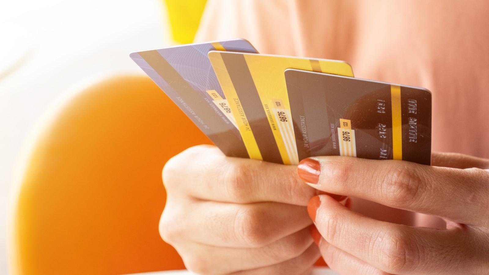 Cách mở thẻ ngân hàng nhanh chóng