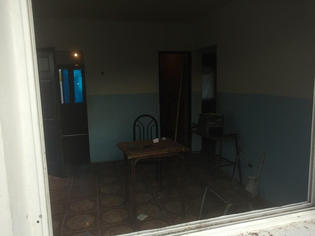 El interior de la sala donde habrían acontecido los hechos.