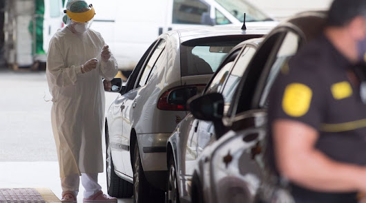 El coronavirus deja dos muertes y a Almería de nuevo al límite de los 100 casos
