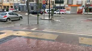 Calle inundada en Vera este martes.
