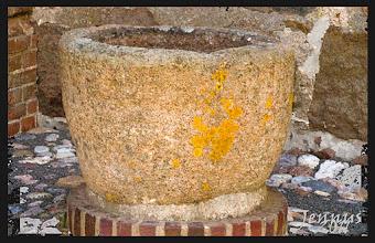 Photo: alter Taufstein aus Granit gehauen - Kirche Hohen Wangelin (Müritz)