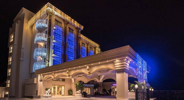 Les Ambassadeurs Hotel Casino