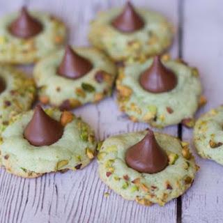 Pistachio Pudding Kiss Cookies
