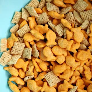 Happy Holidays Goldfish Snack Mix