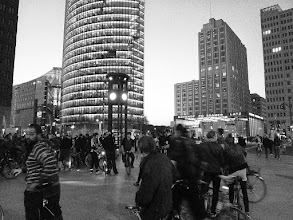 Photo: http://criticalmass.berlin - Frühlingsauftakt in Berlin - 24.04.2015 - Chaos am Potsdamer Platz. #criticalmass #berlin #bike #fun