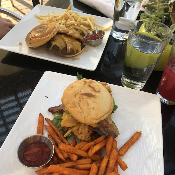 The best gluten free fried chicken sandwich I've ever had. Sweet potato fries were also amazing. I had a gluten free cocktail (can't remember the exact name) Along with three gluten free desserts yum