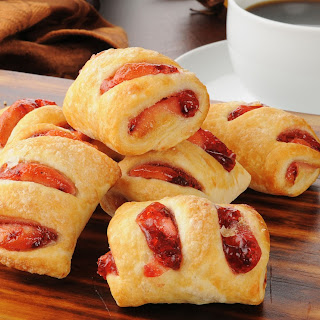 Mini Puff Pastry Strawberry Strudels