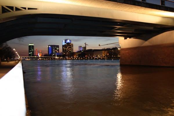 In mezzo scorre il fiume di Nancy