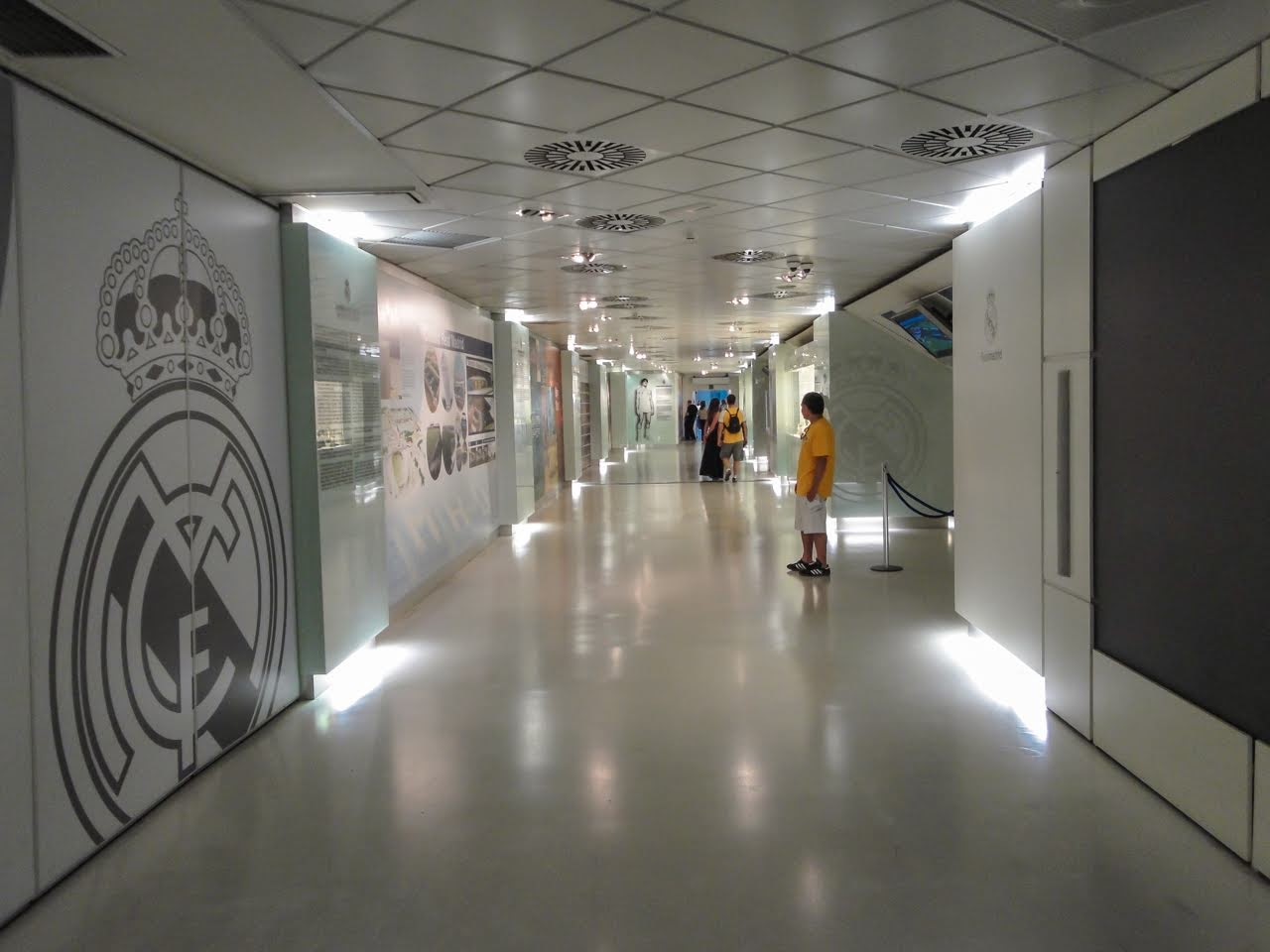 A hallway leading us through the history of the Real Madrid club