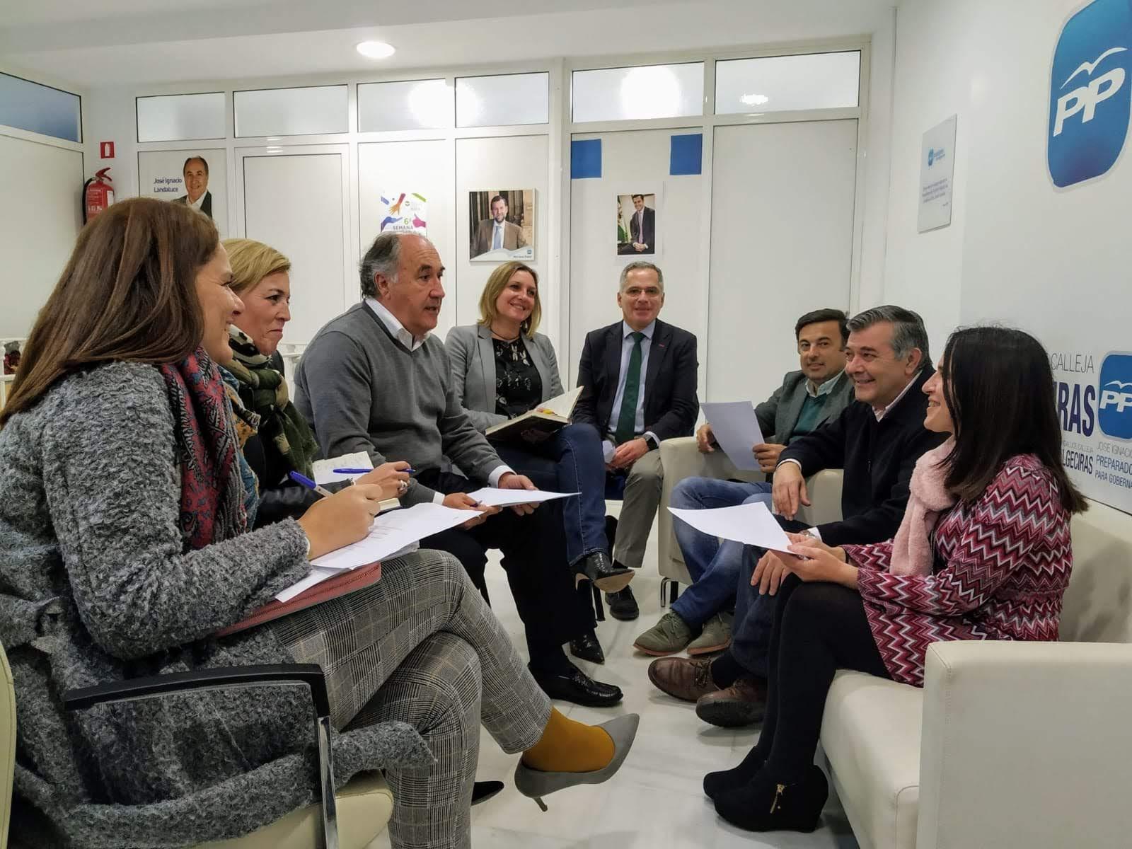 Los candidatos del PP recogen propuestas para mejorar la comarca