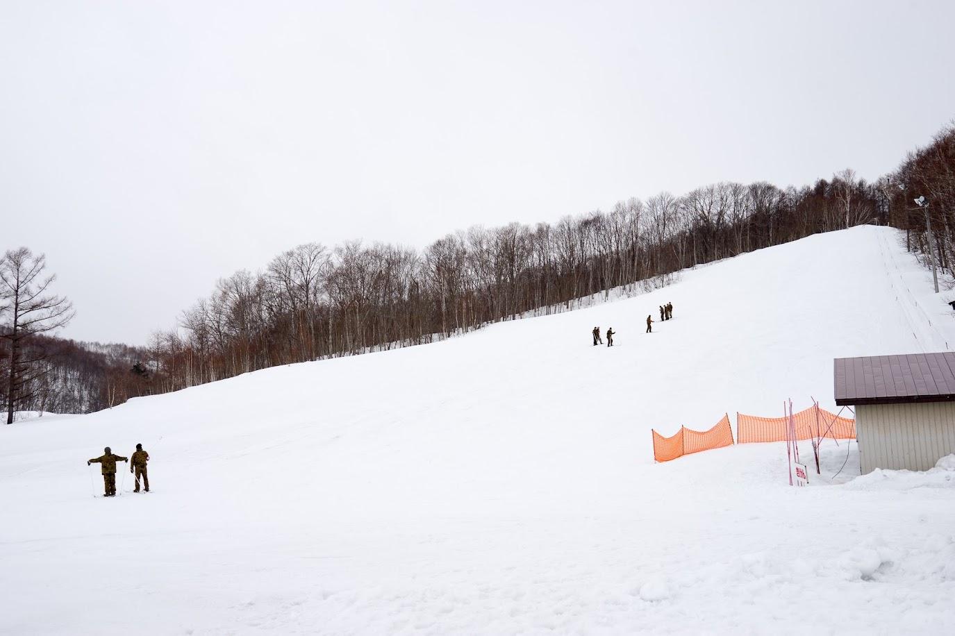 陸上自衛隊員冬季スキー訓練