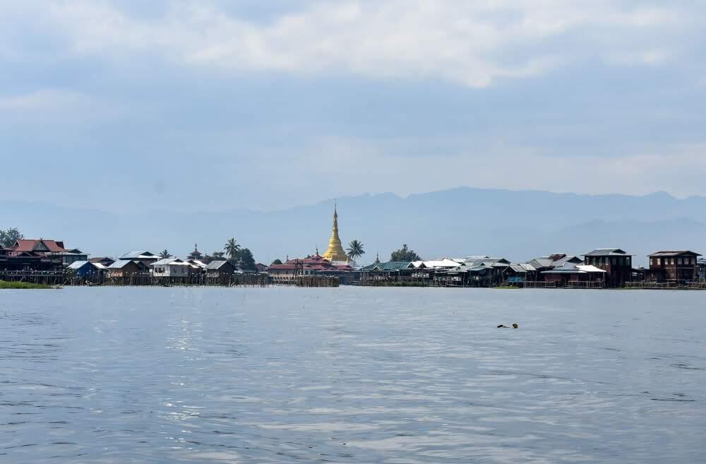 pagoda+burma+inle+lake