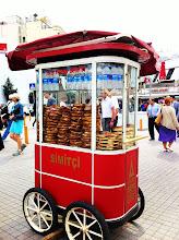Photo: Food vendors along İstiklâl Caddesi (Independence Avenue).