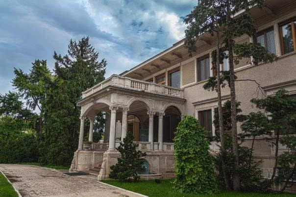 Palatul Primăverii (Spring Palace)