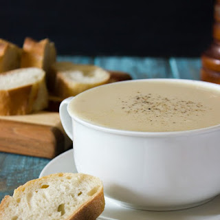 Creamy Garlic Lobster Bisque