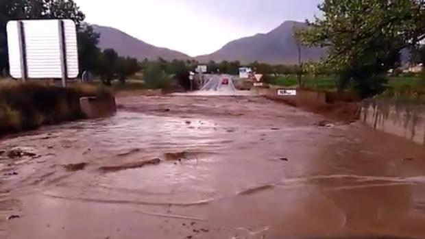 Imagen de una carretera de Chirivel.