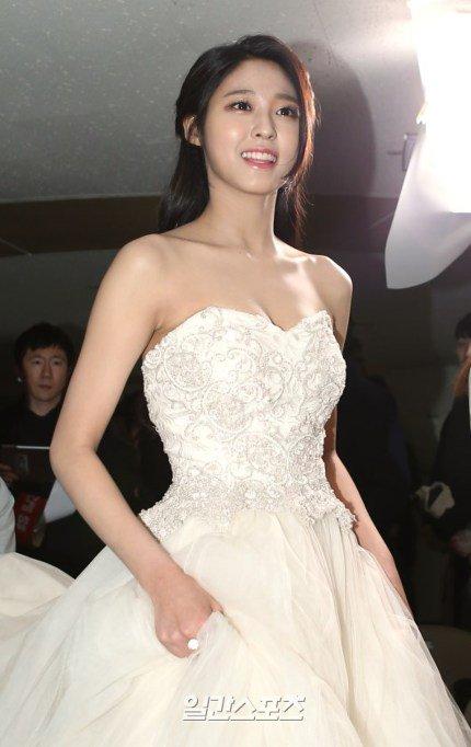 seol gown 23