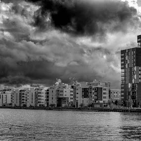Before the rain by Mats Andersson - Black & White Buildings & Architecture ( clouds, dramatic, buildings, city, before the rain )
