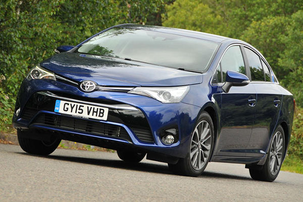 angular-front-of-a-blue-Toyota-Avensis