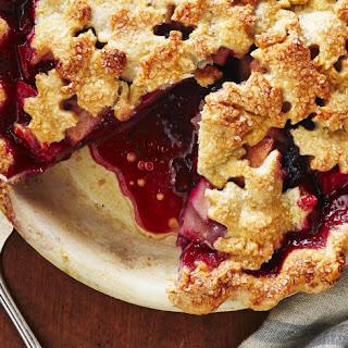 Harvest Pear-Blackberry Pie