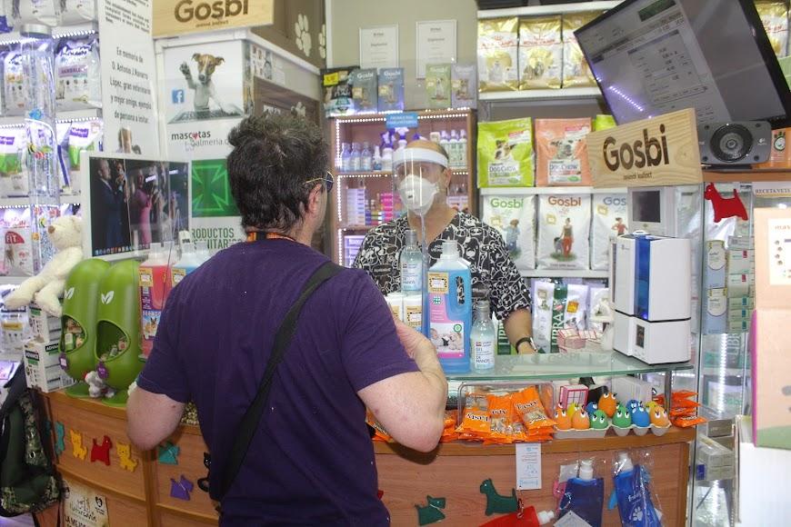 Mascotas Almería, tienda y clínica ubicada en calle Florida Blanca, junto calle Real.