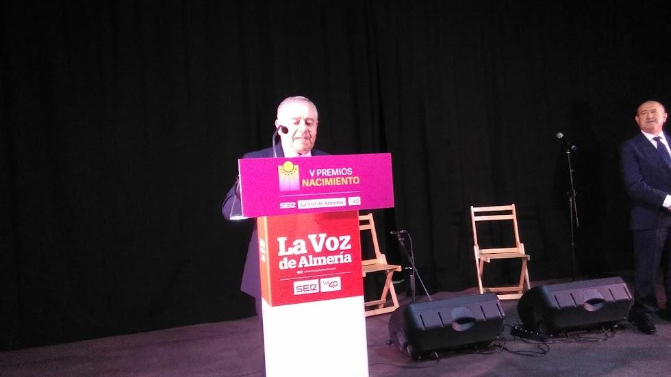 José María Ávalos, de Muebles Ávalos, durante su discurso tras recibir el Premio Empresa.