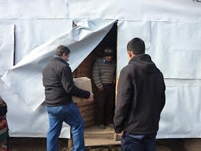 Photo: Entrega de cajas solidarias en Molina. Francisco Crocco. 2010