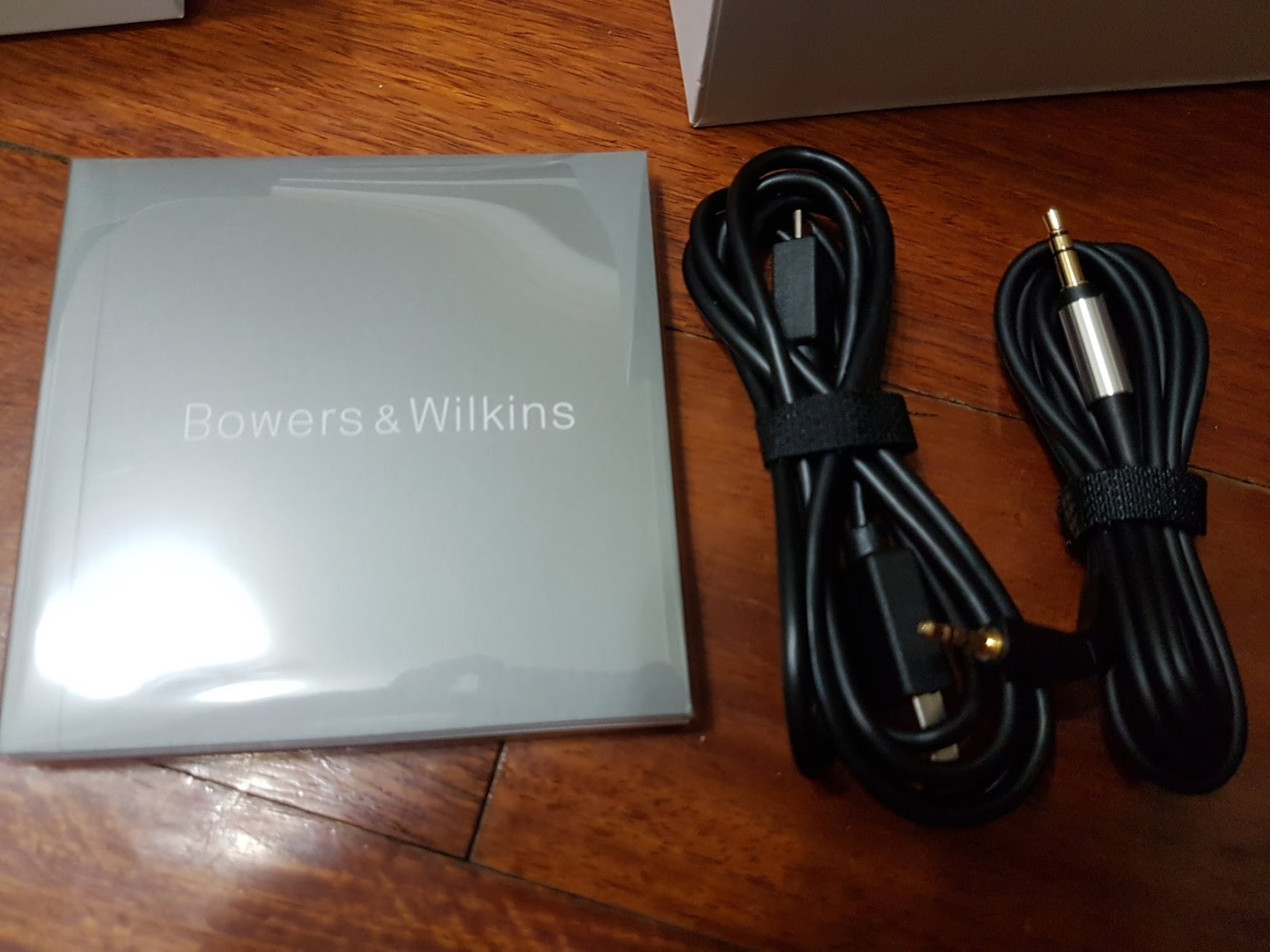 [Bowers & Wilkins] B&W P7 Wireless無線藍芽耳機