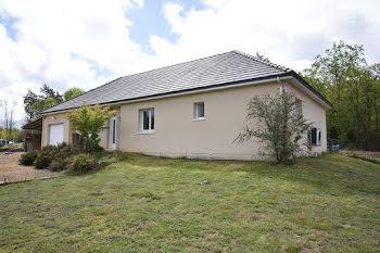 maison à Saint-Priest-de-Gimel (19)