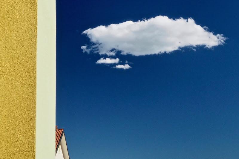 La nuvola dietro l'angolo di gaspare_aita
