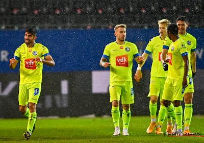 📷  KAA Gent protesteert tegen de UEFA met opvallend initiatief