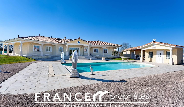 Maison avec piscine et terrasse Carbonne