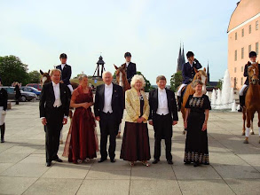 Photo: Birgitta och make samt Marianne med vän.