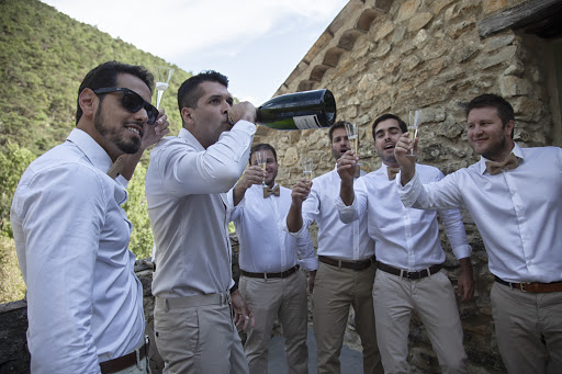 Labtec Prod | Vidéaste mariage | Photo préparatifs champagne