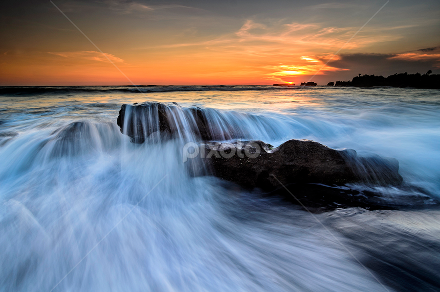 jumping by Raung Binaia - Landscapes Waterscapes