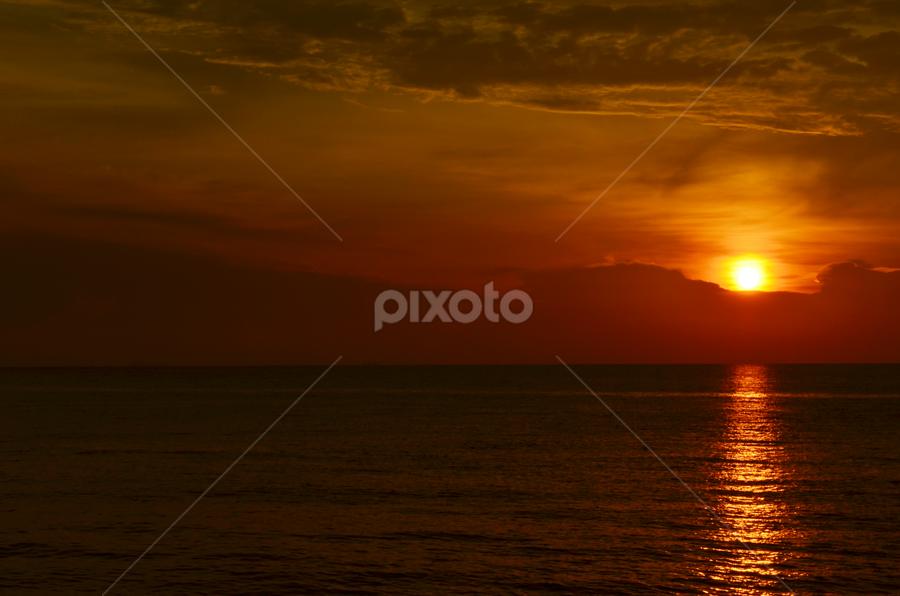 Golden Moment by Azzah Rahman - Landscapes Sunsets & Sunrises ( port dickson, sunset, sea, beach, sun )