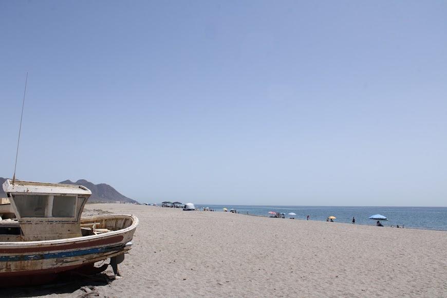 Playa de las Salinas, la más larga del Parque Natural.