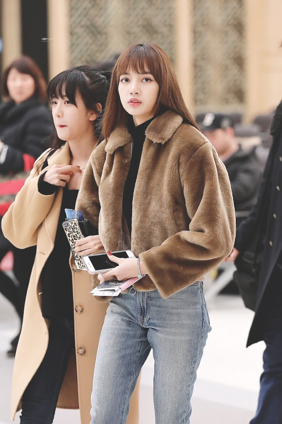 teddybearcoats_lisa_blackpink