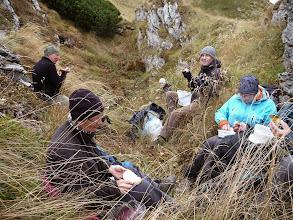 Photo: Picnick in de luwte