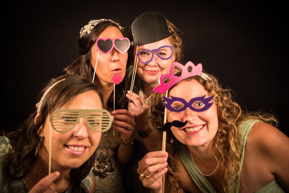 bath-parade-park-wedding-photography-photo-booth
