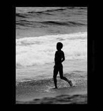 Photo: the boy toward ocean