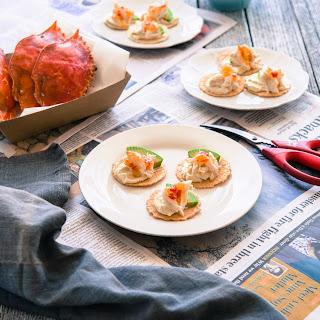 Crab, Avocado and Sweet Chilli Sauce Bites