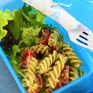 Lunchbox Pesto Pasta Salad.