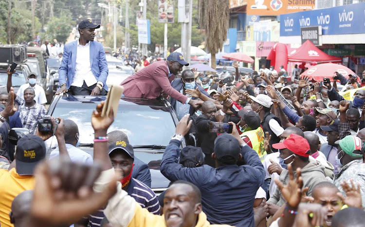 Deputy President William Ruto engages residents of Kisii town on my way to Kitutu Chache South and South Mugirango for boda boda, women and youth groups empowerment programmes on September 10, 2020