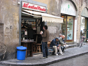 Photo: This modest wine shop (enoteca), with workmen eating outside, was voted best wine bar in Florence by Savour magazine. We had a nice soup and sandwich here.