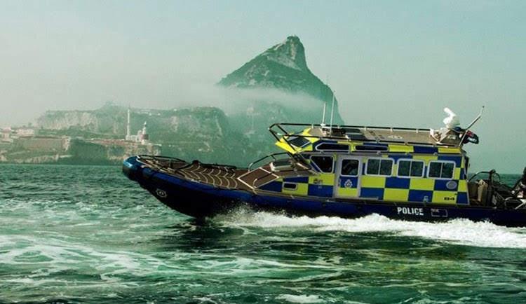 Aduanas de Gibraltar detiene a un ciudadano local e incauta 750 cartones de cigarrillos