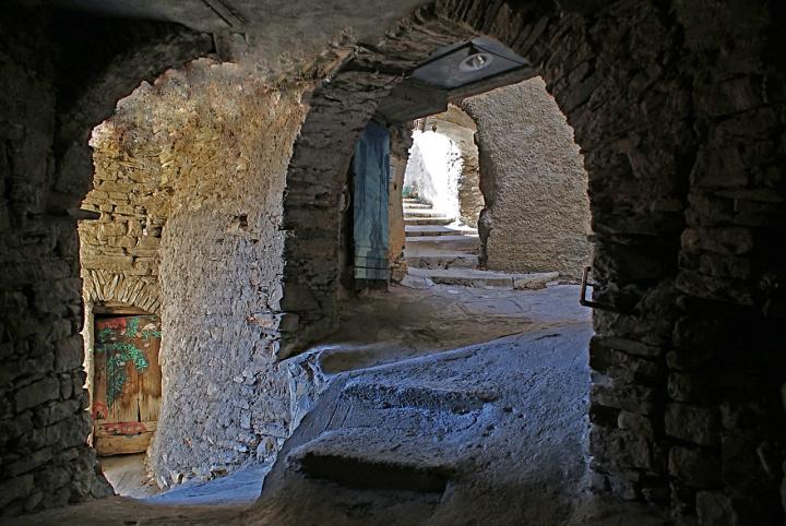 Borgo labirintico di carlo-bi