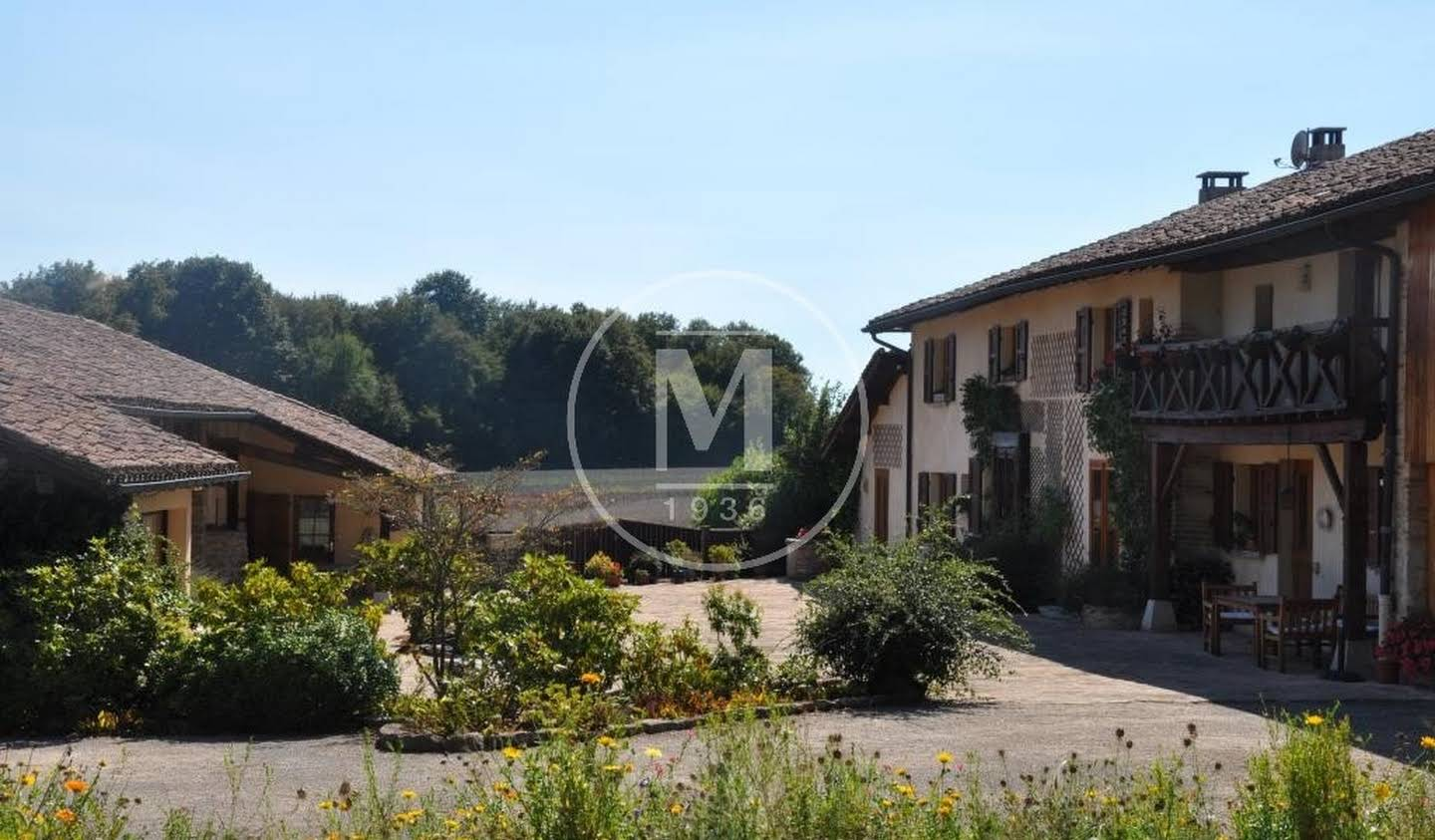 Property with pool Bourg-en-Bresse